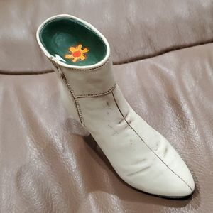 """3/$15Just The Right Shoe """"Ingenue"""" Great Condition"""